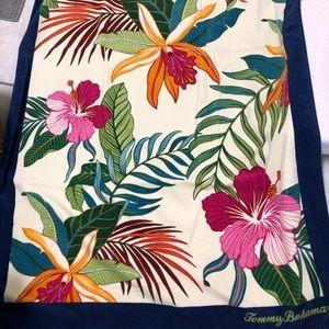 💗Tommy Bahama Beach Towel
